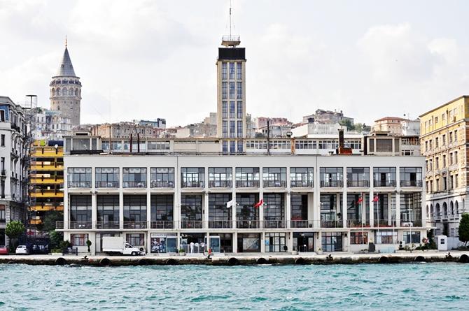 karakoy-yolcu-salonu_1.jpg