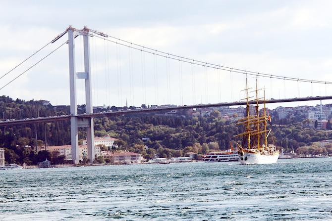 nava-scoala-mircea,-istanbul-bogazindan-gecti_1.jpg