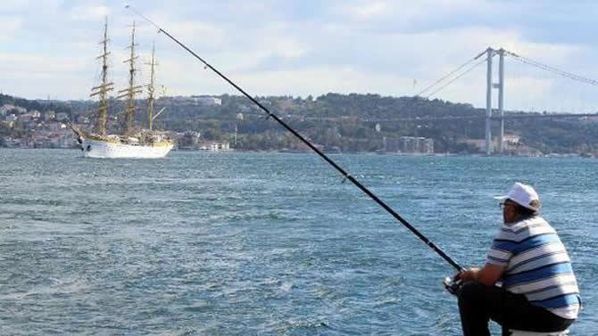 nava-scoala-mircea,-istanbul-bogazindan-gecti_3.jpg