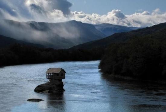 nehir_ev6.jpg