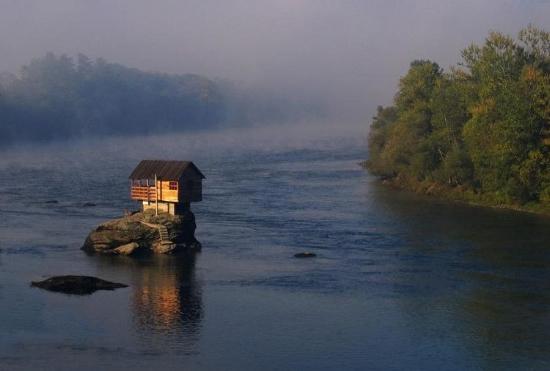 nehir_ev8.jpg