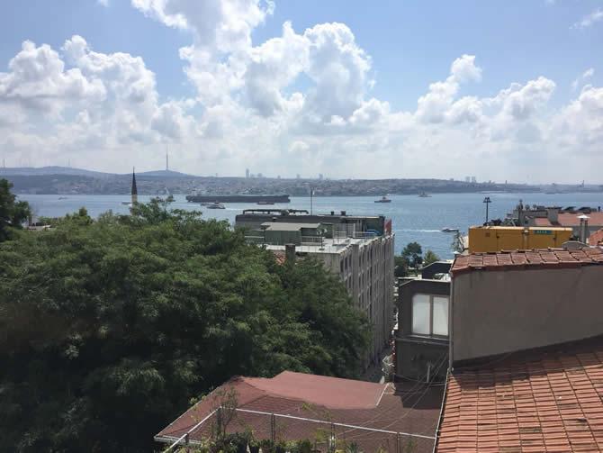 nissos-therassia,-istanbul-bogazindan-geciriliyor_1.jpg