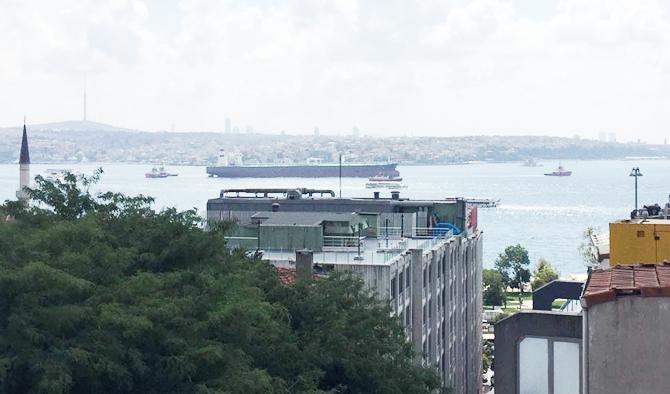 nissos-therassia,-istanbul-bogazindan-geciriliyor_3.jpg