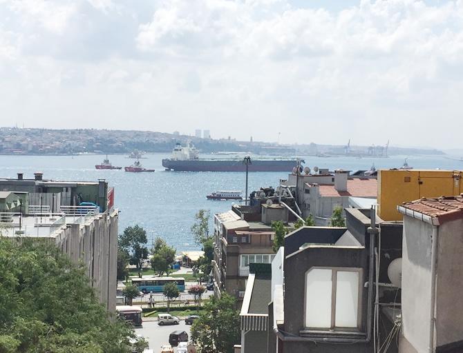nissos-therassia,-istanbul-bogazindan-geciriliyor_4.jpg
