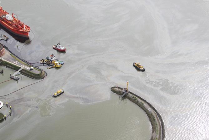 rotterdam-limaninda-petrolun-bilancosu-90-milyon-dolar!_2.jpg