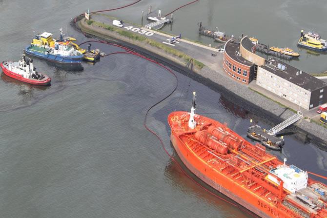 rotterdam-limaninda-petrolun-bilancosu-90-milyon-dolar!_3.jpg