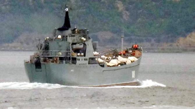 rus-donanmasina-ait-orsk,-canakkale-bogazindan-gecti.jpg