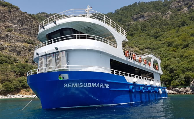 semisubmarine_1.jpg