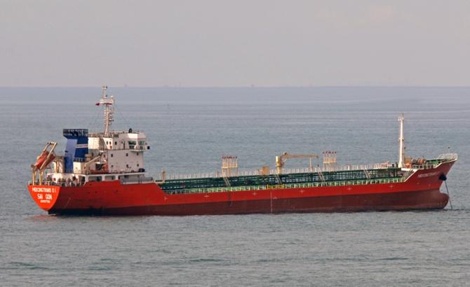 tanker-010.jpg