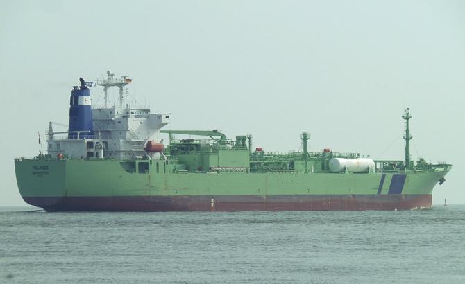 tanker-011.jpg