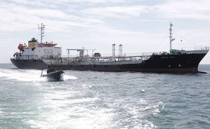 tanker-017.jpg