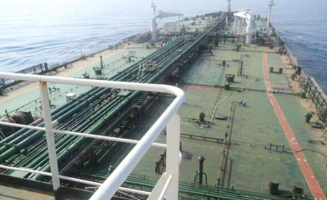 tanker_1-002.jpg