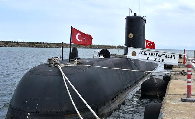 tcg_anafartalar_denizaltisi_1.jpg