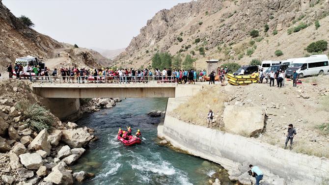turkiye-rafting-sampiyonasinda-heyecan-devam-ediyor.jpg