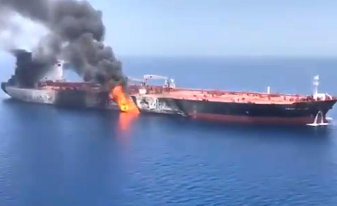 umman_denizi_tanker_patlama_13.jpg