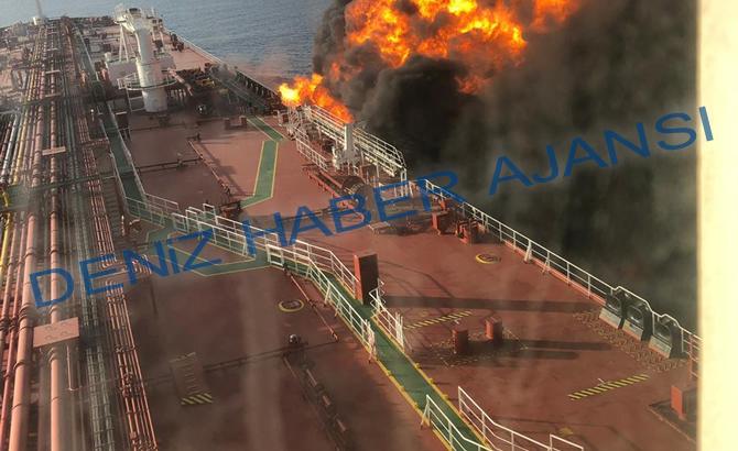 umman_denizi_tanker_patlama_6.jpg