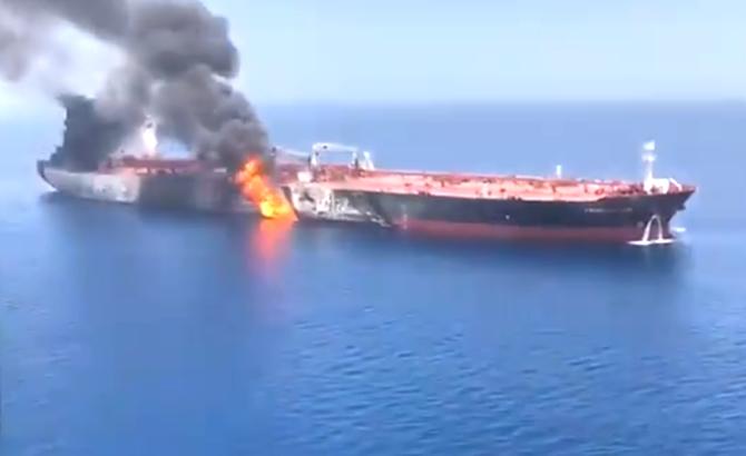 umman_denizi_tanker_patlama_7.jpg