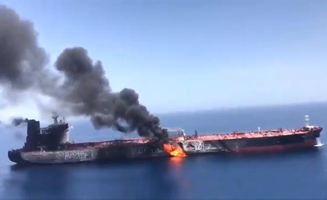 umman_denizi_tanker_patlama_9.jpg