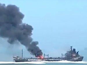 Petrol tankeri ile yük gemisi çatıştı: 14 kişi kayıp