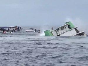 Arabalı feribot yapay resif için batırıldı