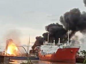 Tersanede bakımda olan LPG tankerinde yangın çıktı