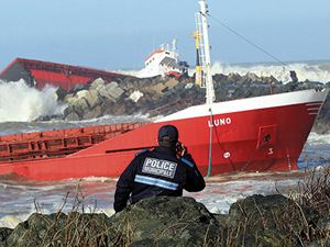 İspanyol kargo gemisi Fransa'da kaza yaptı
